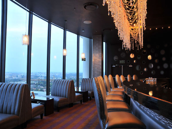 Skye Bar @ The Holiday Inn (Sandton)