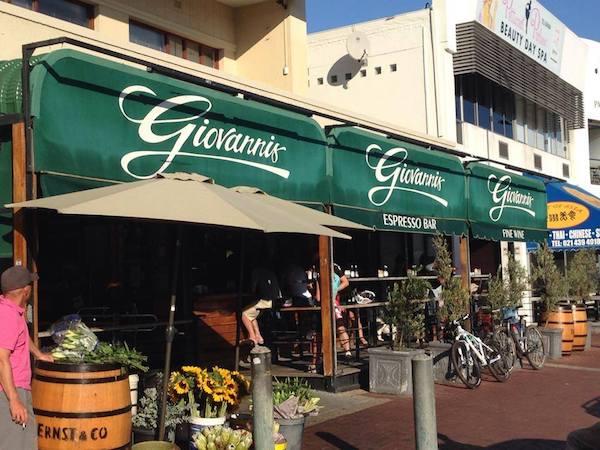 Giovanni's Deli World