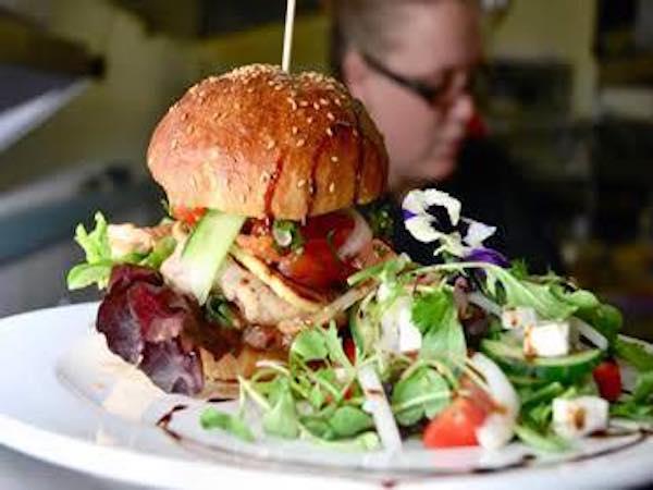 Dukes Burgers (Greenside)
