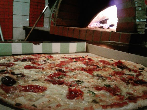 Toni's Fully Furnished Pizza Company (Menlo Park)