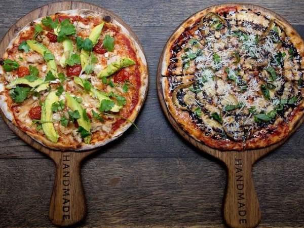 Enjoy happy hour specials at Piza e Vino.