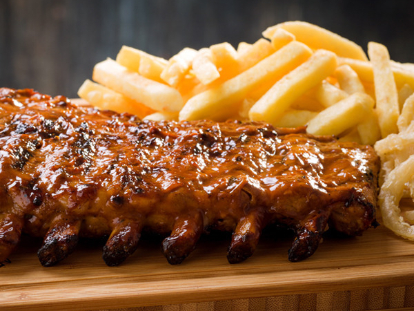 Spur Ribs and fries