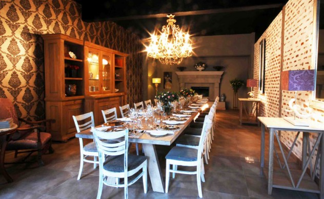 A long dining table at La Campagnola. Photo courtesy of the restaurant.