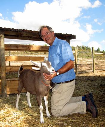 Anysbos_Johan Heyns with goat