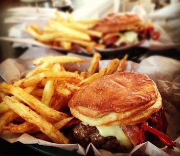 Clarkes cheeseburger with bacon