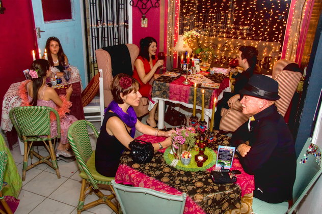Cafe Lifestyle at Burlesque Cafe