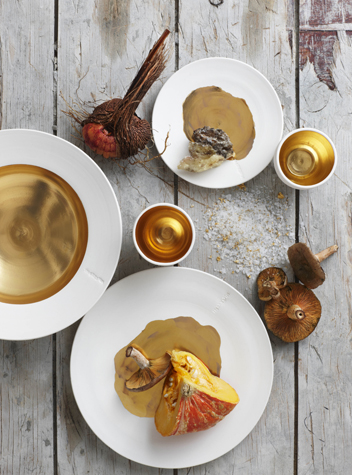 Golden crockery at Hemelhuijs_photograph by Micky Hoyle