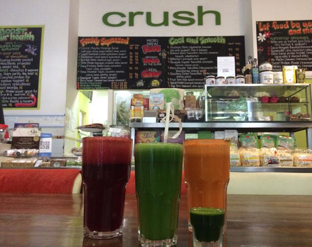 Crush-Juice-Bar--JUICING