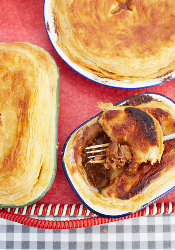 Jamie oliver and jimmy dohertys scrumptious steak and stout pie jamie oliver and jimmy dohertys scrumptious steak and stout pie recipe eatout forumfinder Image collections