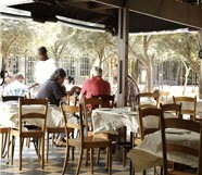 Stanley beer yard restaurant in johannesburg eatout for Il giardino degli ulivi monteviale