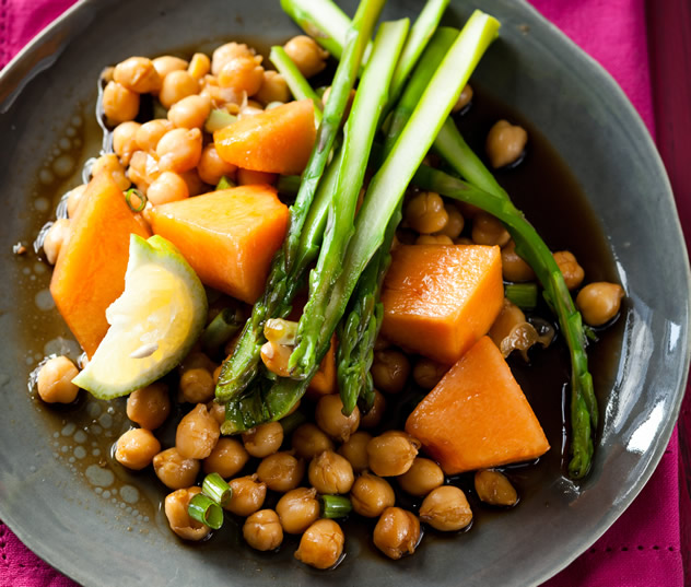 Tangy Asian chickpea salad