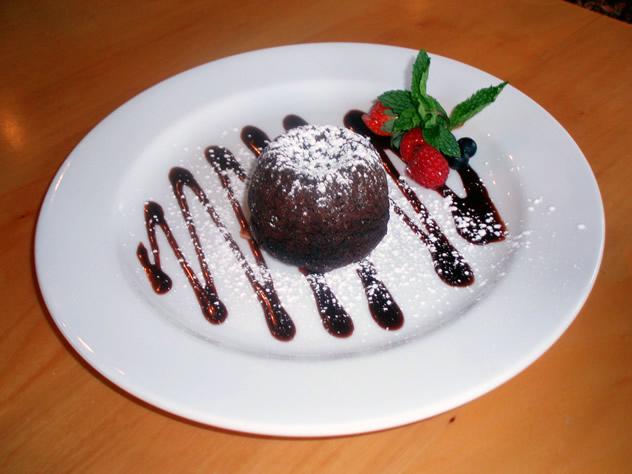 Chocolate-fondant-dessert-at-95-Keerom