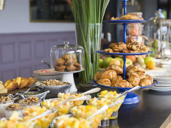 Is this the most decadent sunday brunch in the cape eat out for Table 52 sunday brunch