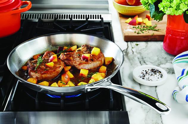 Pork chops with peach-thyme glaze