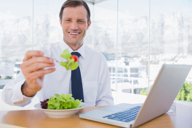 Store-salad-dressing-in-fridge-and-you-too-can-be-as-happy-as-this-man