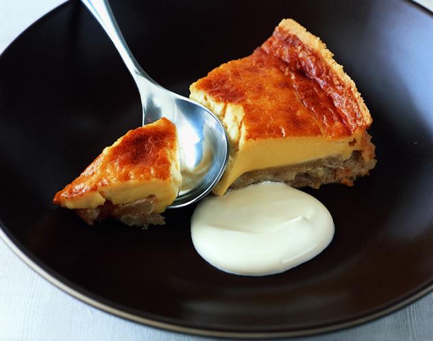 Baked pear and honey tart