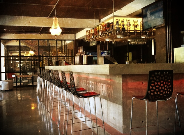 The bar at the Bridge Street Brewery. Photo courtesy of the restaurant.