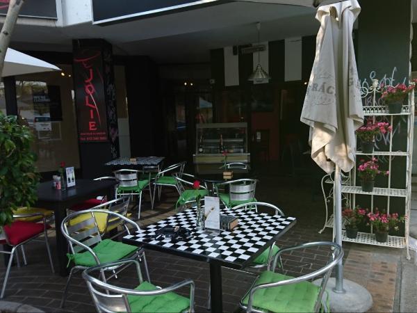 Love It Art Café
