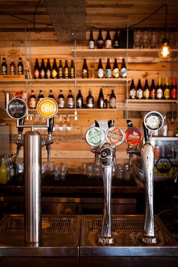 The bar at Republik. Photo courtesy of Jan Ras.