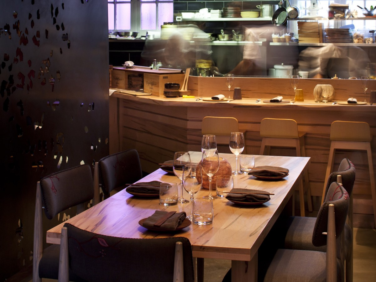 Modern restaurant table setting - The Table Setting At The Test Kitchen Photo Courtesy Of The Restaurant