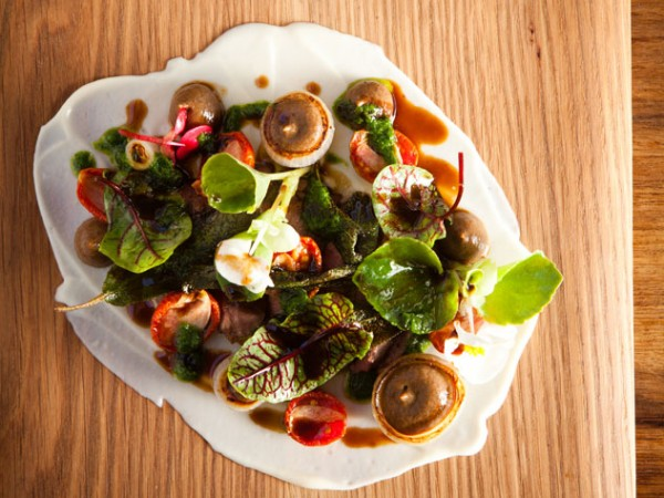 Butter-roasted lamb heart, caramelised onion and spring greens. Photo by Jan Ras.
