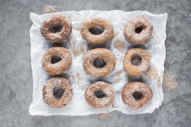 Sugar-dusted doughnuts coated in a blend of nutmeg, cinnamon and other Christmassy spices.