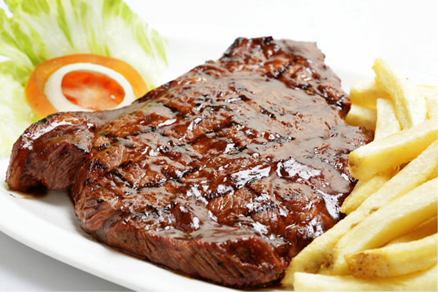 A delicious steak with chips at Pirates Steakhouse and Pub. Photo courtesy of the restaurant.