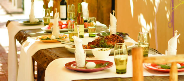 Food on the table at The Alfresco Deli at Joubert-Tradauw Cellar. Photo courtesy of the  restaurant.