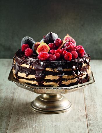 Dead easy chocolate cake by Carmen Niehaus