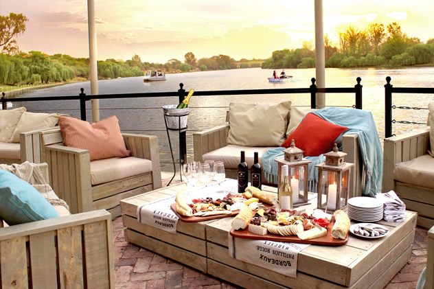 The deck lounge at Pont de Val Bistro. Photo courtesy of the restaurant.