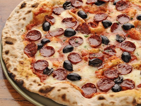 Eat pizza to donate to charity: How a local pizzeria is serving the community