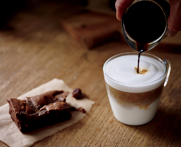 Starbucks macchiato and brownie