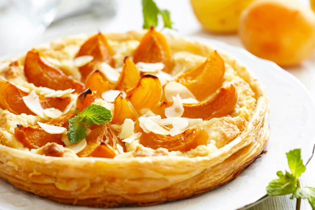 An apricot and almond tart. Photo Thinkstock.