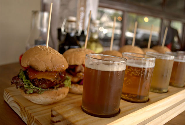 Burgers-and-sliders-at-Fat-Harry's