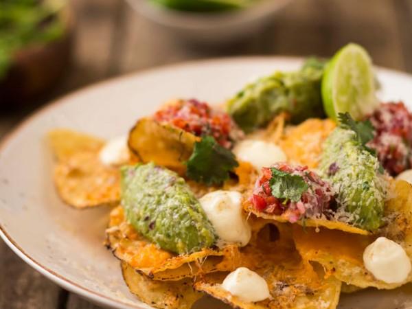Spiced-nachos-with-guacamole-pico-de-gallo-and-sour-cream-at-Tuk-Tuk