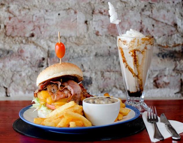 Burger-Bistro_by-Patrick-Furter