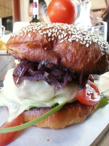 Burger-at-Saltwater-Grill
