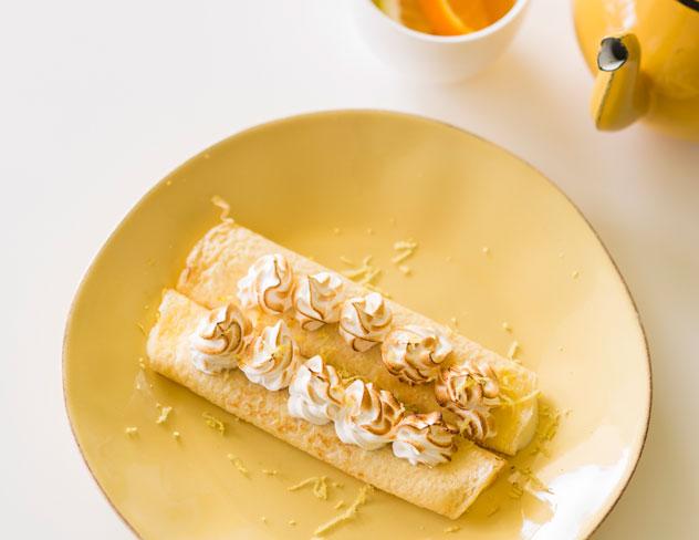 Lemon-meringue-pancakes-at-Betty-Blue