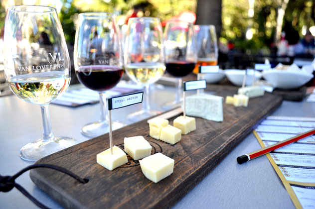Wine-and-cheese-at-Robertson