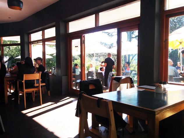 Deer-Park-Cafe-interior