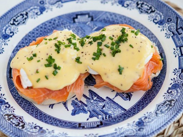 The eggs Benedict with smoked salmon at Delish Sisters. Photo supplied.