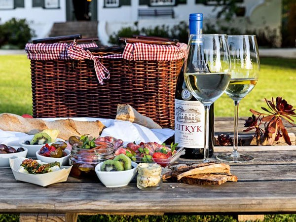 Picnic Basket Restaurant Happy Hollow : Pop up tapas and picnic restaurant opens at uitkyk wine