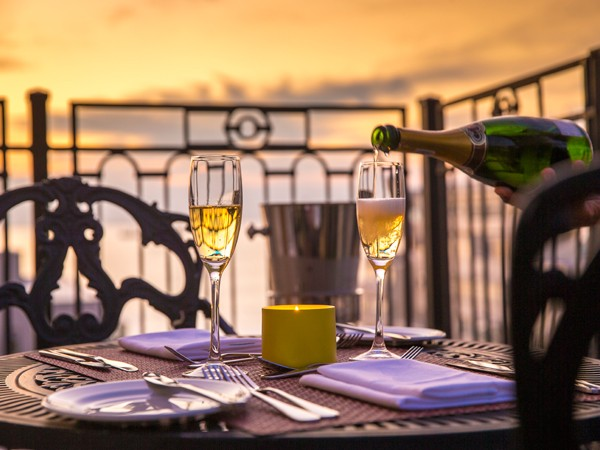 Bubbles and a view at La Mer in Sea Point. Photo supplied.