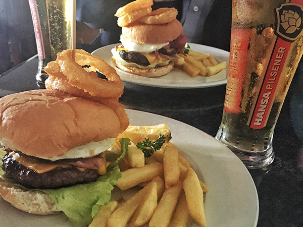 The Barn and Barrel in PE wins SAB's #BESTPUBLUNCH competition for the fourth week