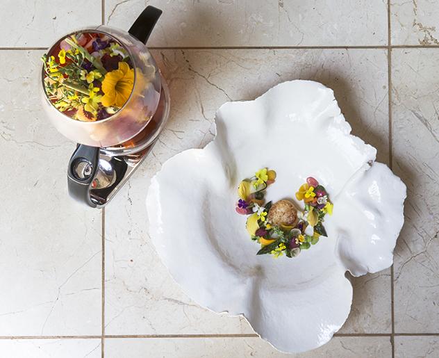 Restaurant Mosaic at The Orient_Alchemist Infusion - Saffron tortellin with hibiscus consommé