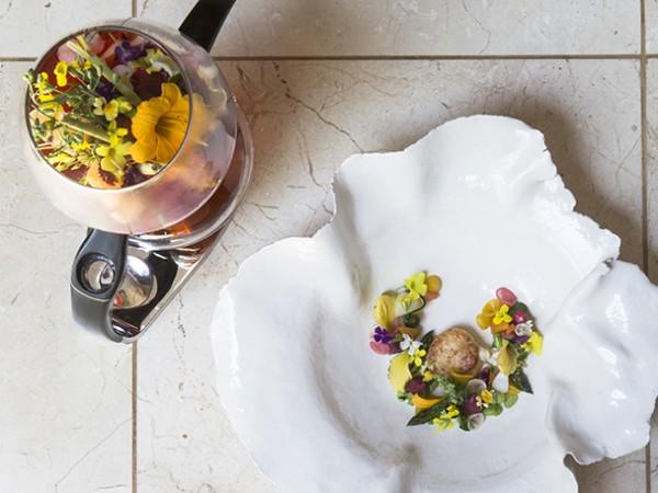 Alchemist Infusion- Saffron tortellini with hibiscus consomméat Restaurant Mosaic