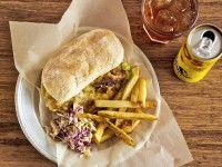 Afro's-Chicken-burger-and-tjips
