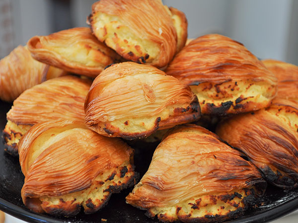 A tower of beautiful, golden sfogliatella. Photo: iStock.