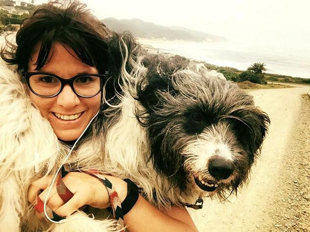 Vanessa-dog-shoulders