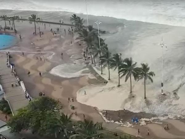 Massive waves damage Durban restaurant
